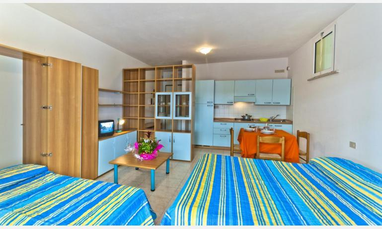 residence CRISTOFORO COLOMBO: A4 - letto matrimoniale (esempio)