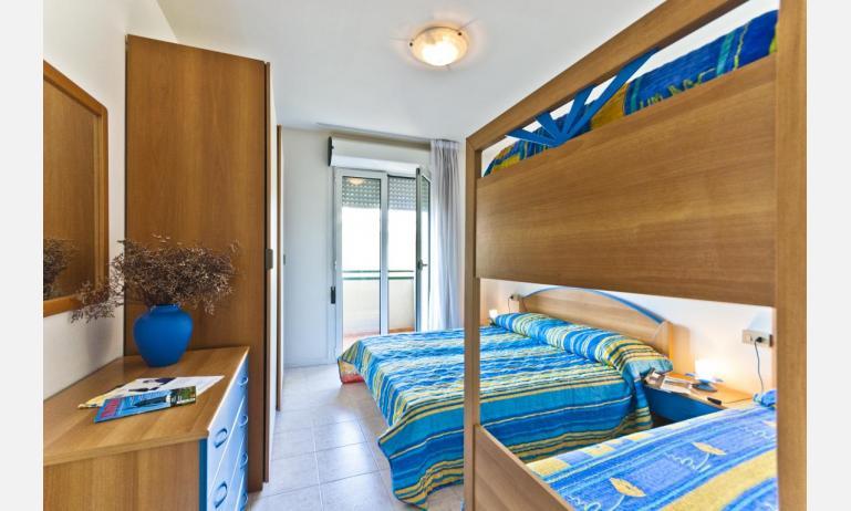 residence CRISTOFORO COLOMBO: B4 - camera con letto a castello (esempio)
