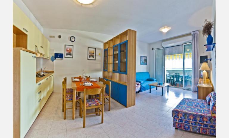 residence CRISTOFORO COLOMBO: B4 - distribuzione appartamento (esempio)