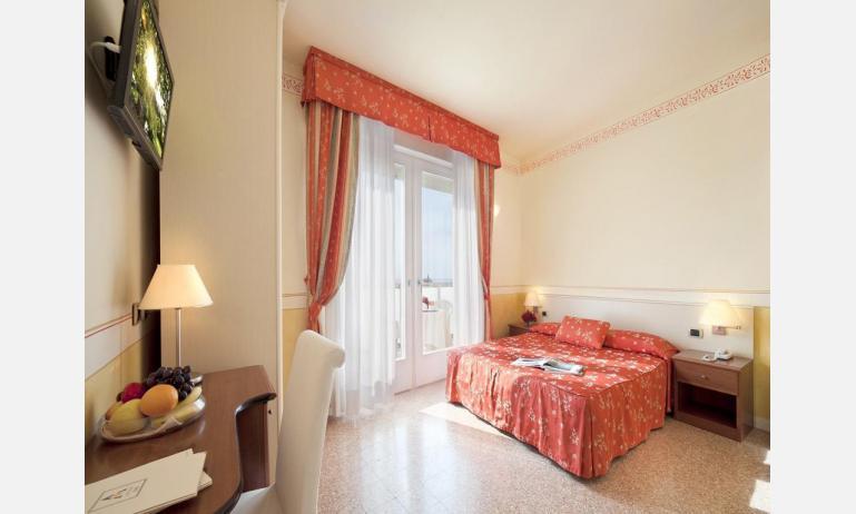 hotel KARINZIA: Standard - camera matrimoniale (esempio)