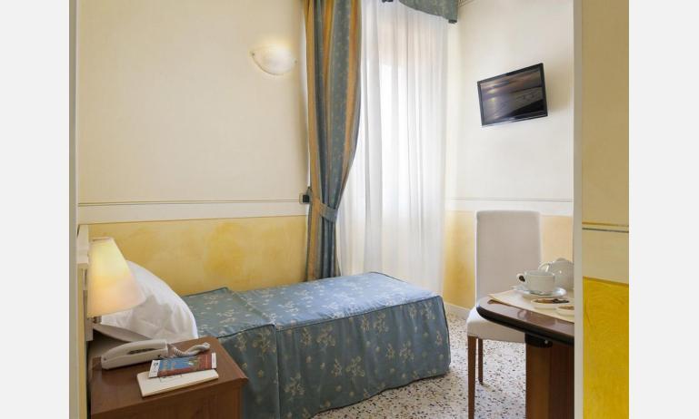 hotel KARINZIA: Standard - camera singola (esempio)