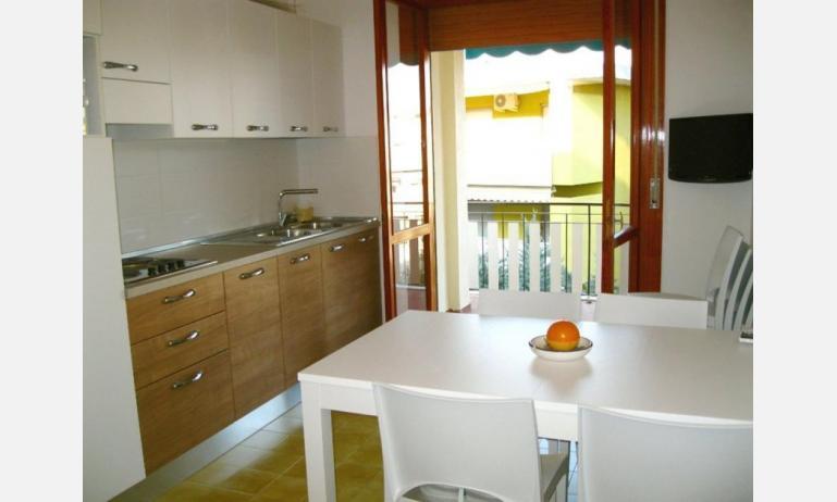 appartamenti BELLOSGUARDO: C6 - soggiorno (esempio)