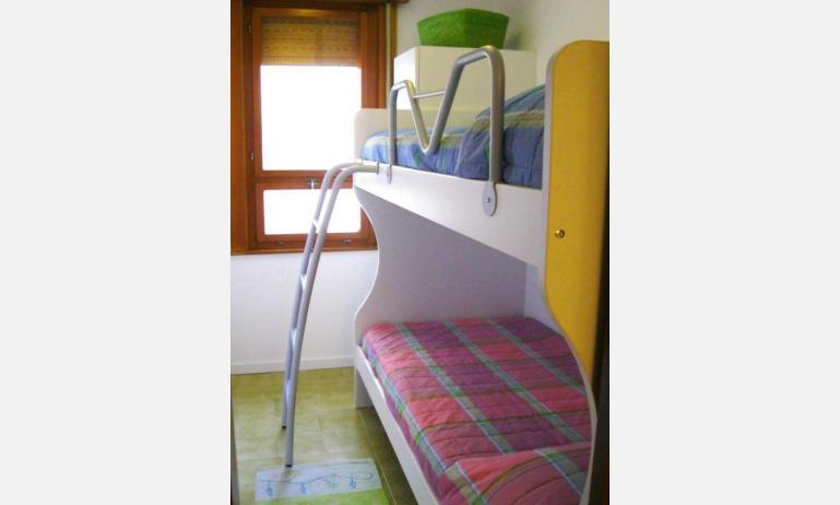 appartamenti BELLOSGUARDO: C6 - camera con divano letto (esempio)