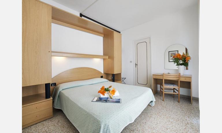 hotel LONDON: Apartment - camera matrimoniale (esempio)