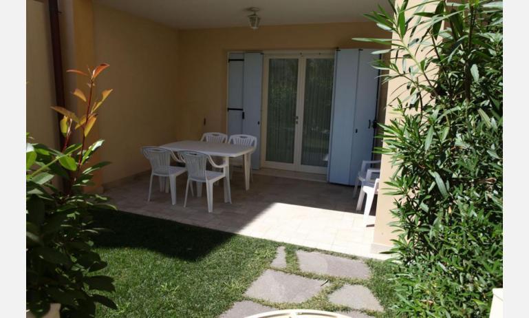 residence MEDITERRANEE: C5/6 - giardino (esempio)