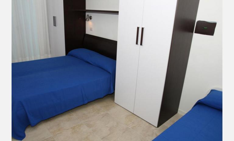 Residence MEDITERRANEE: C5 - Dreibettzimmer (Beispiel)