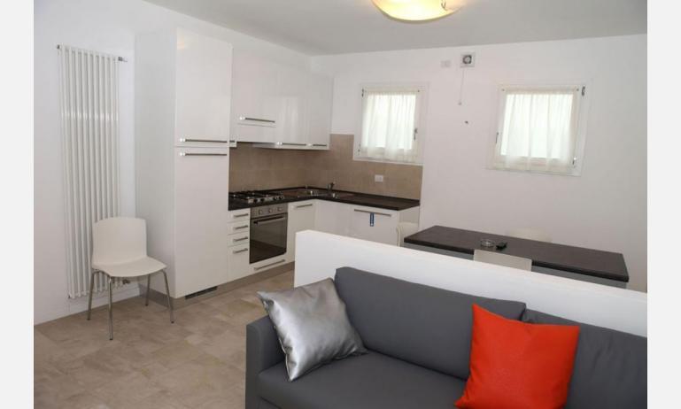 Residence MEDITERRANEE: C5 - Küche (Beispiel)