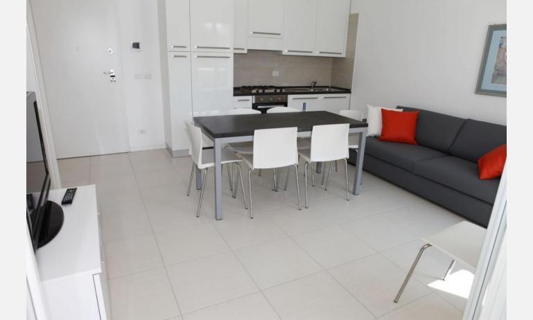 Residence MEDITERRANEE: C5 - Kochnische (Beispiel)