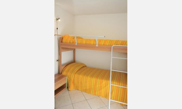 appartamenti CARAVELLE: C6 - camera con letto a castello (esempio)