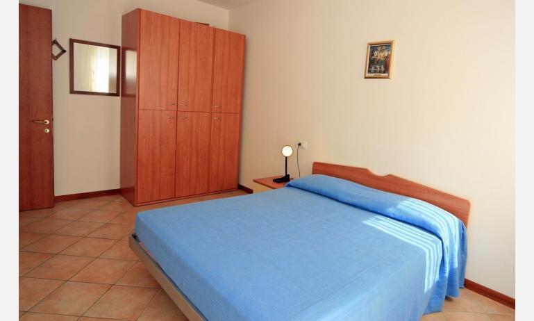 appartamenti CARAVELLE: C6 - camera matrimoniale (esempio)