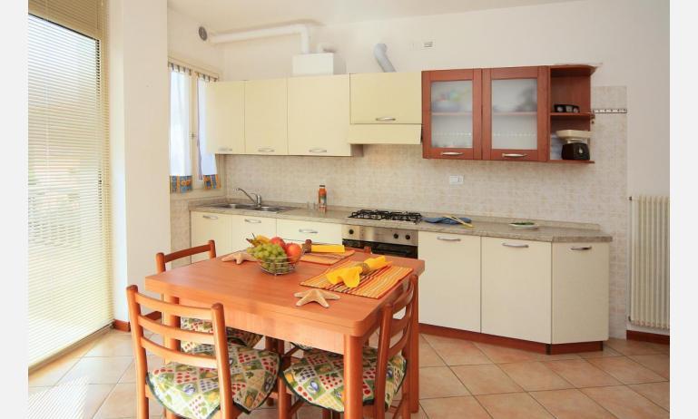 appartamenti CARAVELLE: C6 - angolo cottura (esempio)