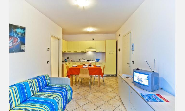 appartamenti STEFANIA: B4 - soggiorno (esempio)
