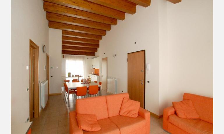 residence ROBERTA: C8s - soggiorno (esempio)