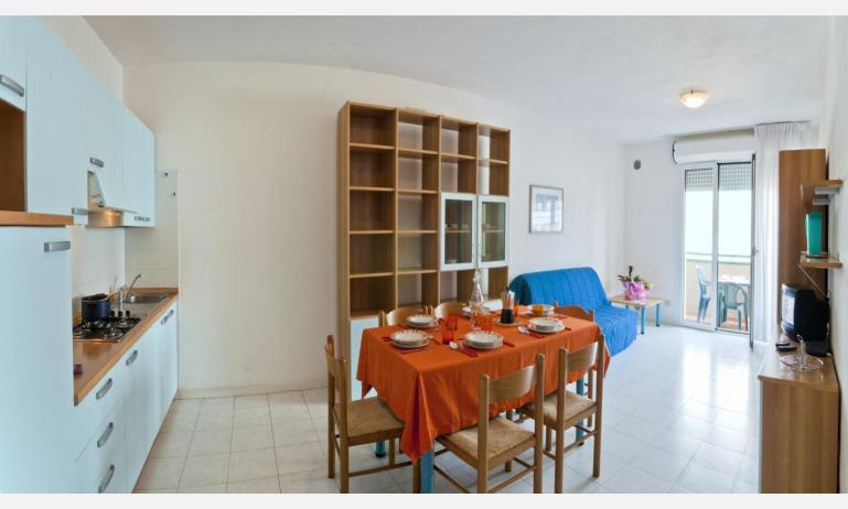 residence CRISTOFORO COLOMBO: C6 - angolo cottura (esempio)