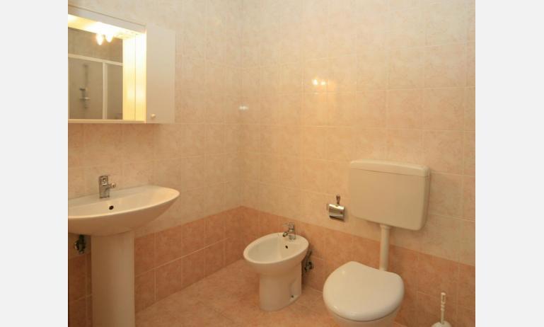 residence CRISTINA BEACH: A4 - bagno (esempio)