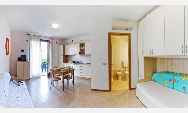 residence CRISTINA BEACH: A4 - distribuzione appartamento (esempio)