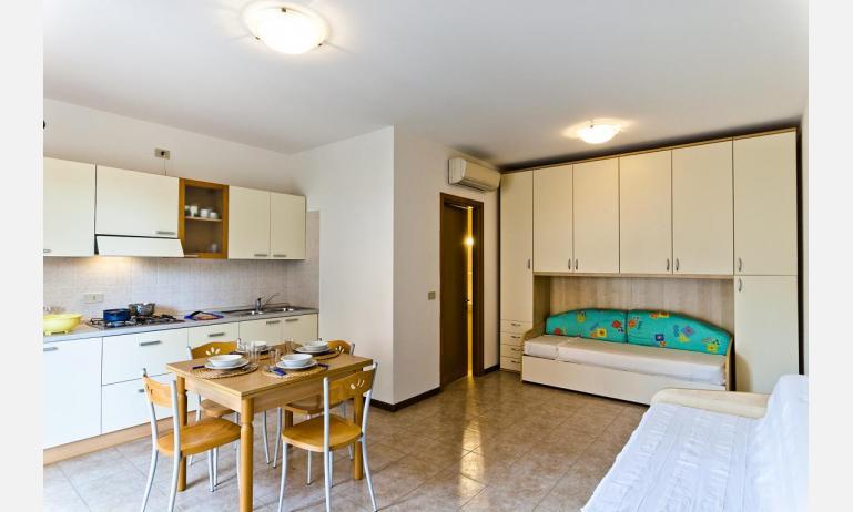 residence CRISTINA BEACH: A4 - divano letto singolo (esempio)