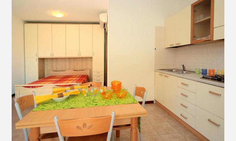 residence CRISTINA BEACH: A4 - monovano (esempio)