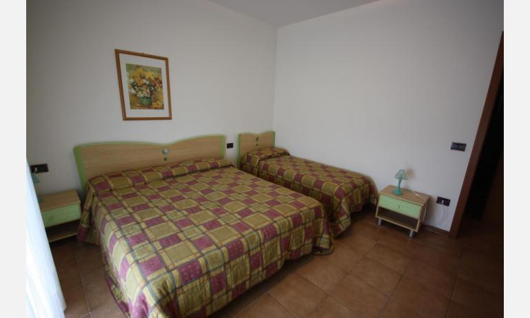residence LIDO DEL SOLE: C7 - 3-beds room (example)