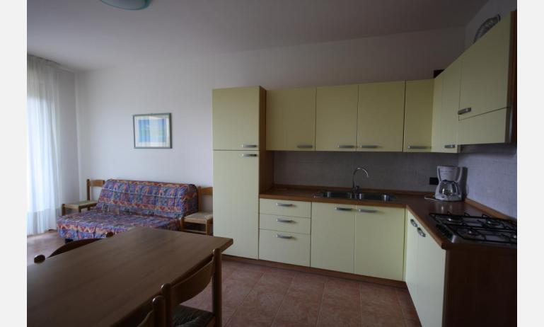 residence LIDO DEL SOLE: C7 - kitchen (example)