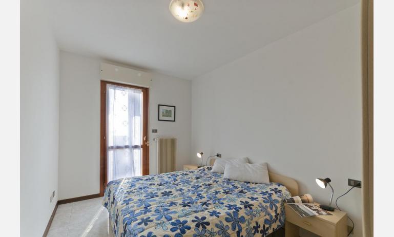 appartamenti DUCA DEGLI ABRUZZI: B4 - camera matrimoniale (esempio)