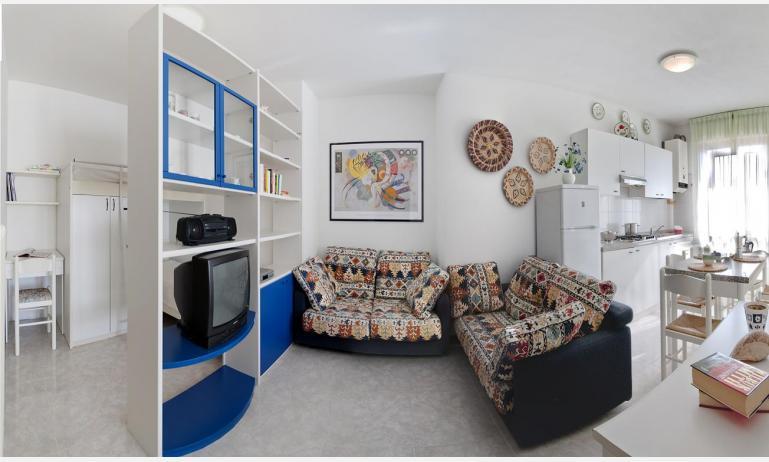 appartamenti DUCA DEGLI ABRUZZI: B4 - soggiorno (esempio)