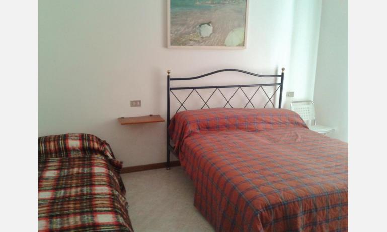 appartamenti LE SOLEIL: B5 - camera tripla (esempio)