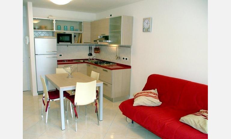 residence COSTA AZZURRA: B4 - angolo cottura (esempio)
