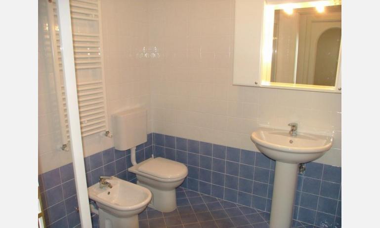 residence COSTA AZZURRA: B4 - bagno (esempio)
