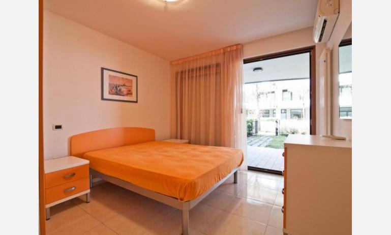 residence COSTA AZZURRA: B4 - camera matrimoniale (esempio)