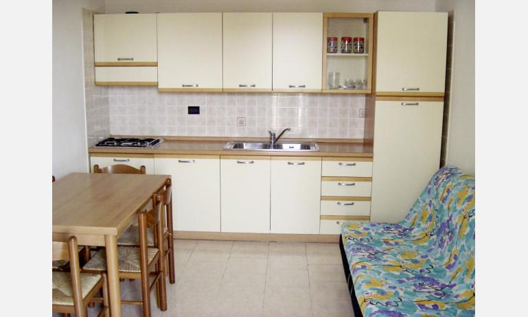 residence LIA: B5 - kitchen (example)